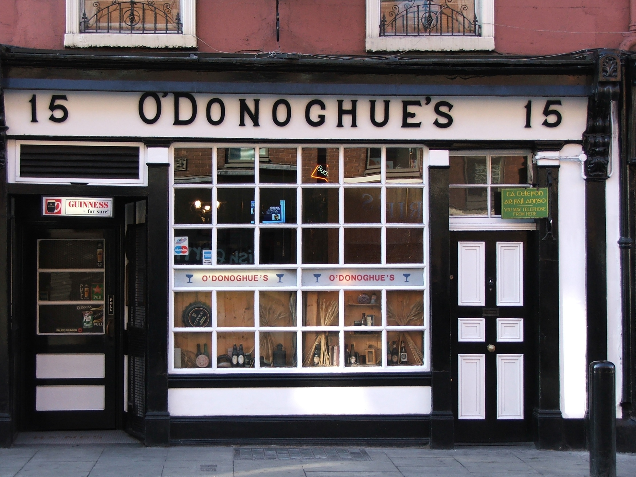 ODonoghue_pub_Dublin_Ireland.jpg